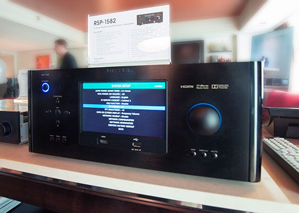 Rotel Displays New Pre/Pro and Amp at CES 2015
