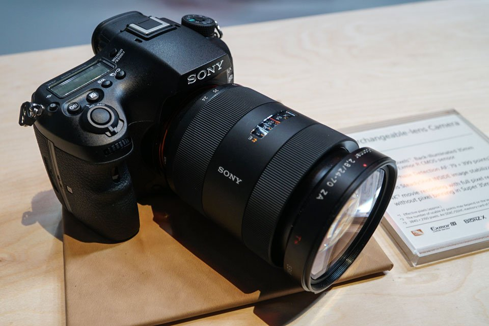 Sony 4K Digicams with 5-Axis Stabilization: a99 Mark II, a6500, RX100 V at CES 2017
