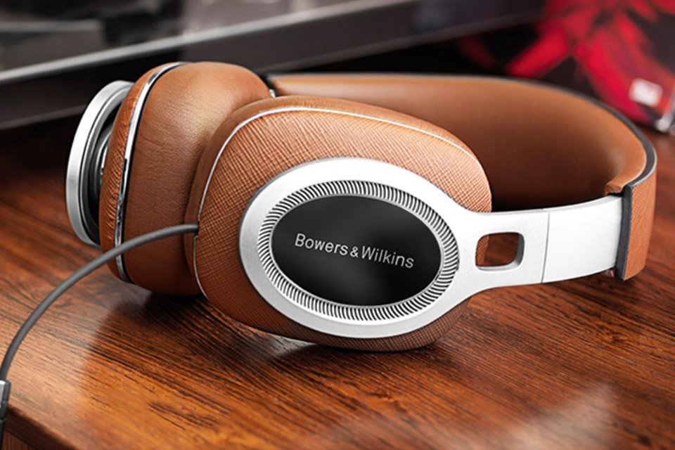 Bowers & Wilkins P9 Signature Headphones Released