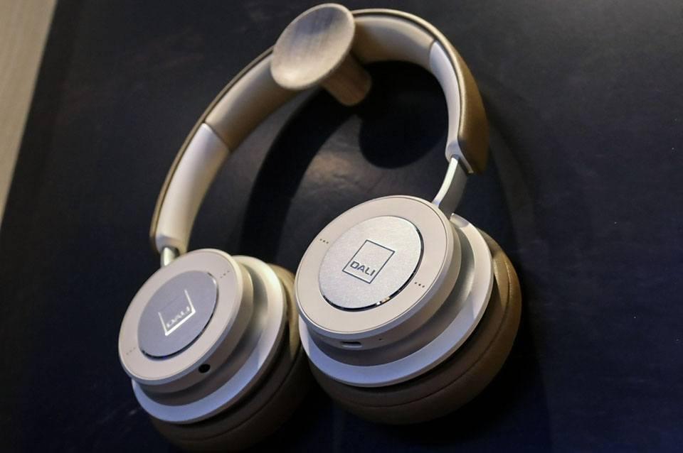 IO-4 and IO-6 Headphones from Danish Audiophile Loudspeaker Industries at CanJam 2020