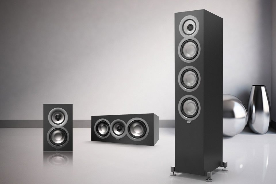 Should I Get Bookshelf or Floorstanding Speakers? Ask the Editors