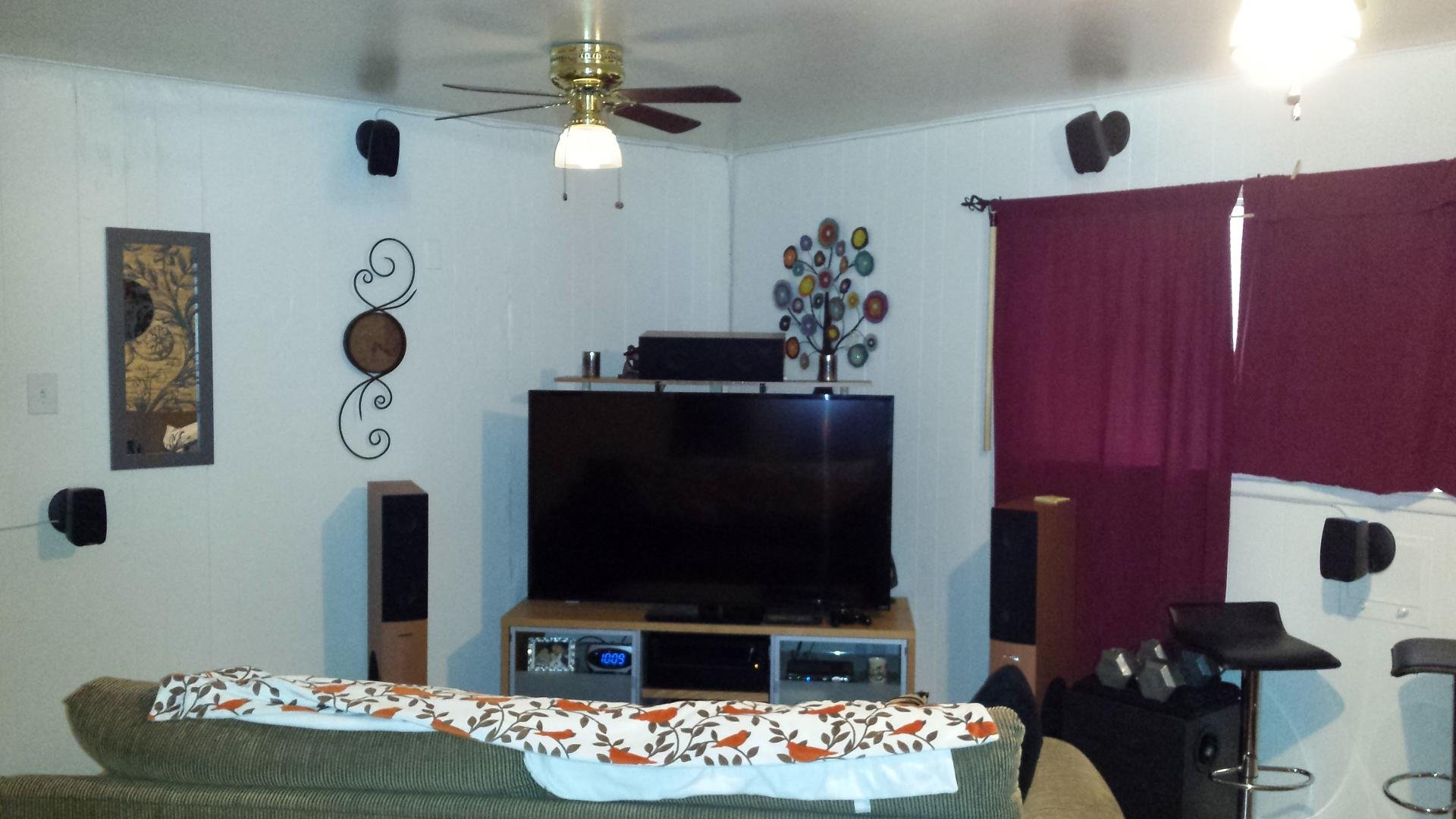 Click image for larger version  Name:home theater.jpg Views:27 Size:181.9 KB ID:111129