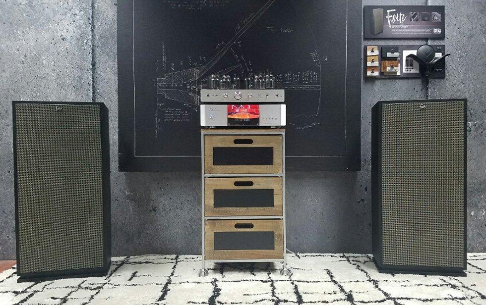 Best of CES: Klipsch Forte Mark III Speakers Demo