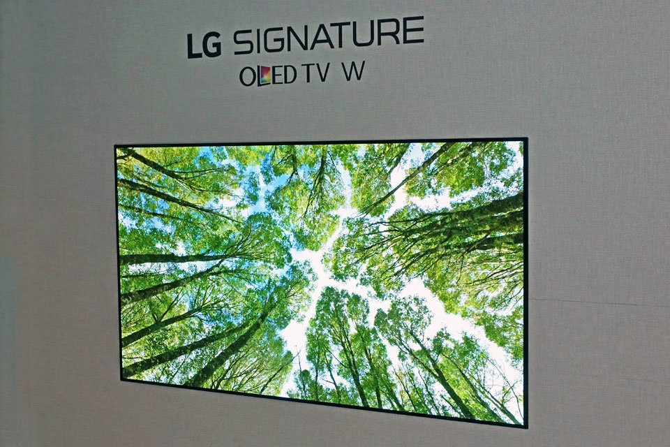 LG OLED TVs at CES 2017 Including the 2.6 mm Ultra Thin LG Signature OLED W7 TV