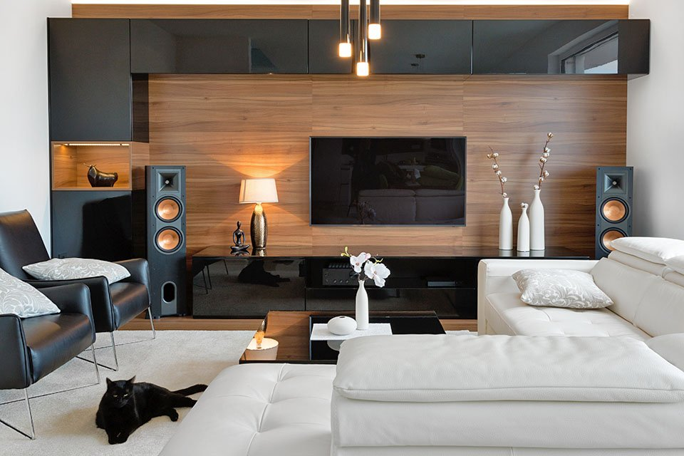 Poll: What Sort of Sound System is In Your Living Room?