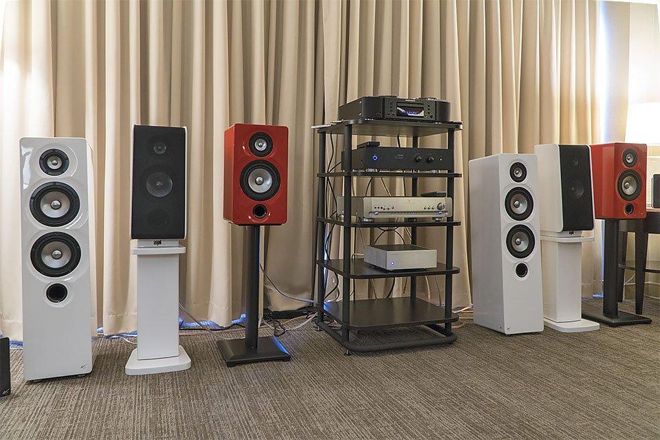 Markaudio-SOTA Cesti and Viotti One speakers at AXPONA 2017