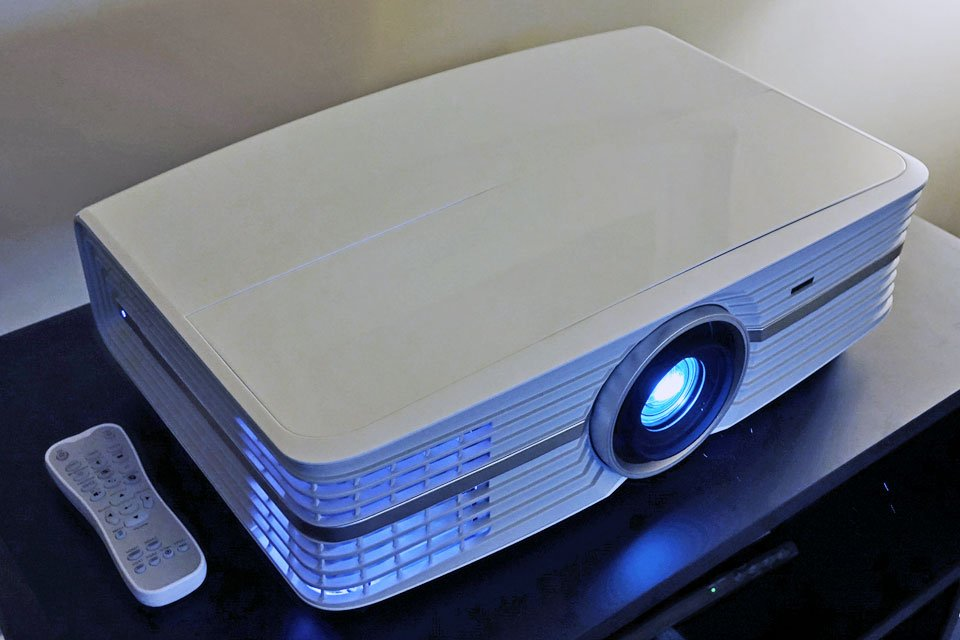 Optoma UHD60 4K HDR Projector at CES 2017