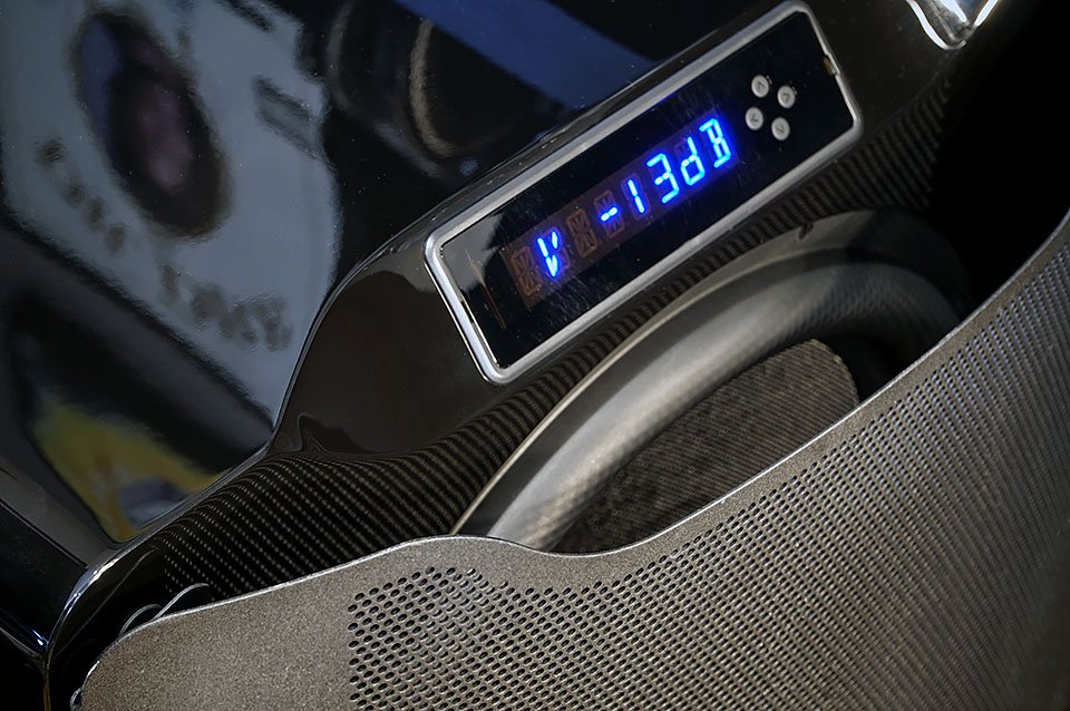 PB16-Ultra front display and grill