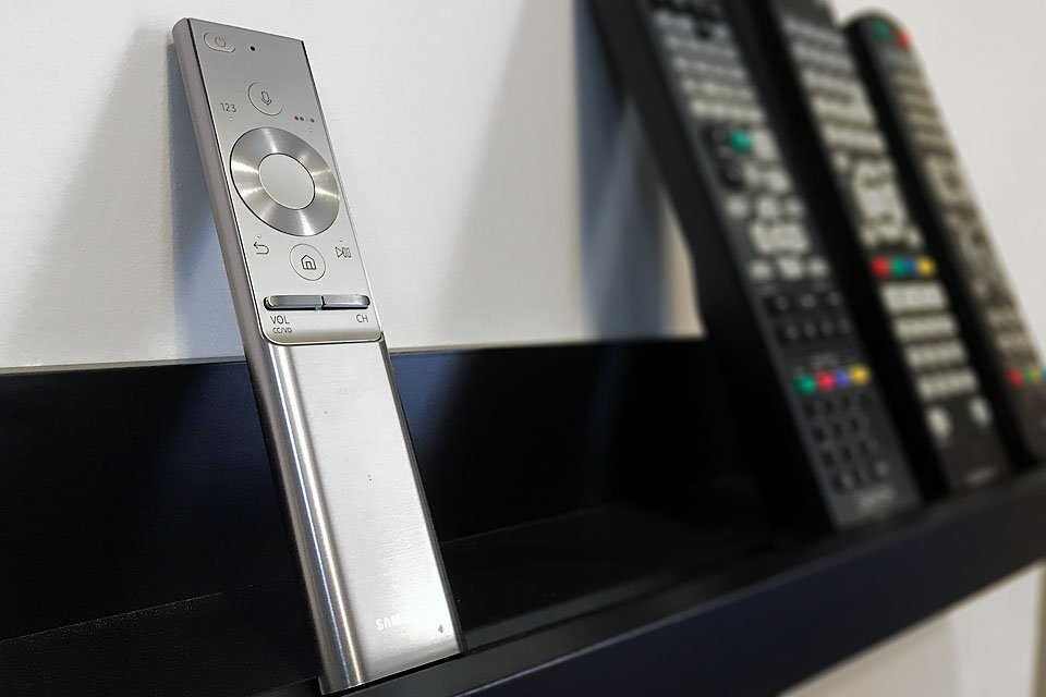 Samsung One Remote for 2017 QLED TVs