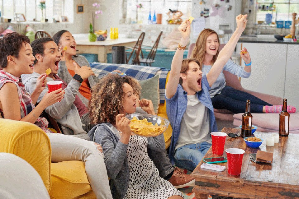 8 Best TVs for Hosting A Super Bowl Party