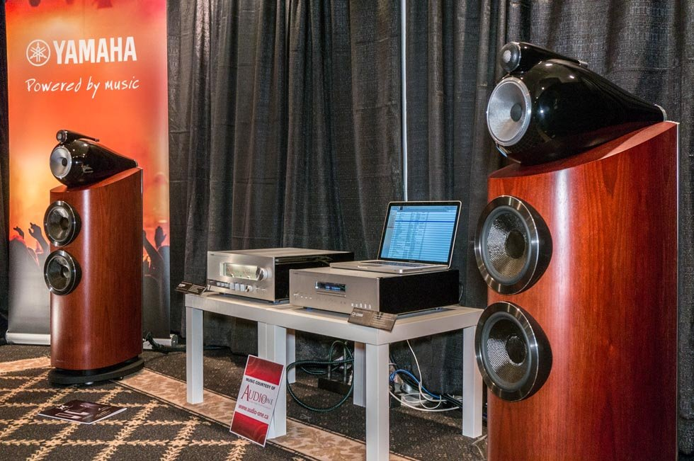 Yamaha A-S3000 and CD-S3000 with B&W 80-3 D3 at TAVES 2015