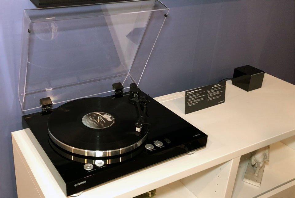 Yamaha TT-N503 MusicCast Wi-Fi Turntable – CEDIA 2018