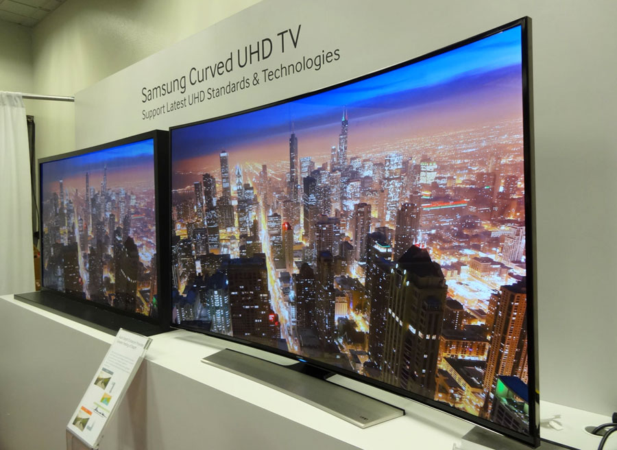 Curved Vs Flat Tv >> 9 91 91a307ee Samsung Curved Vs Flat Demo Room Jpeg My Photo Gallery
