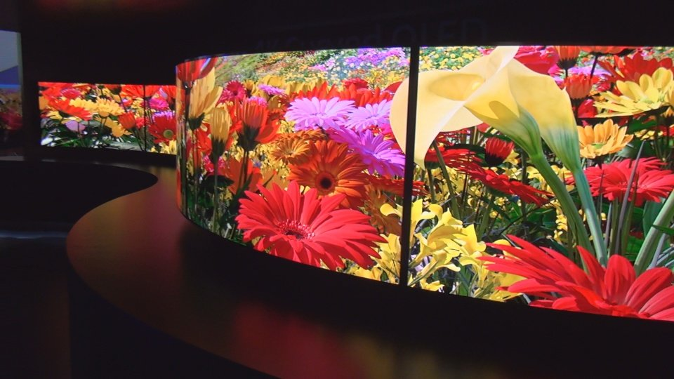 Another look at Panasonic's curved OLED display
