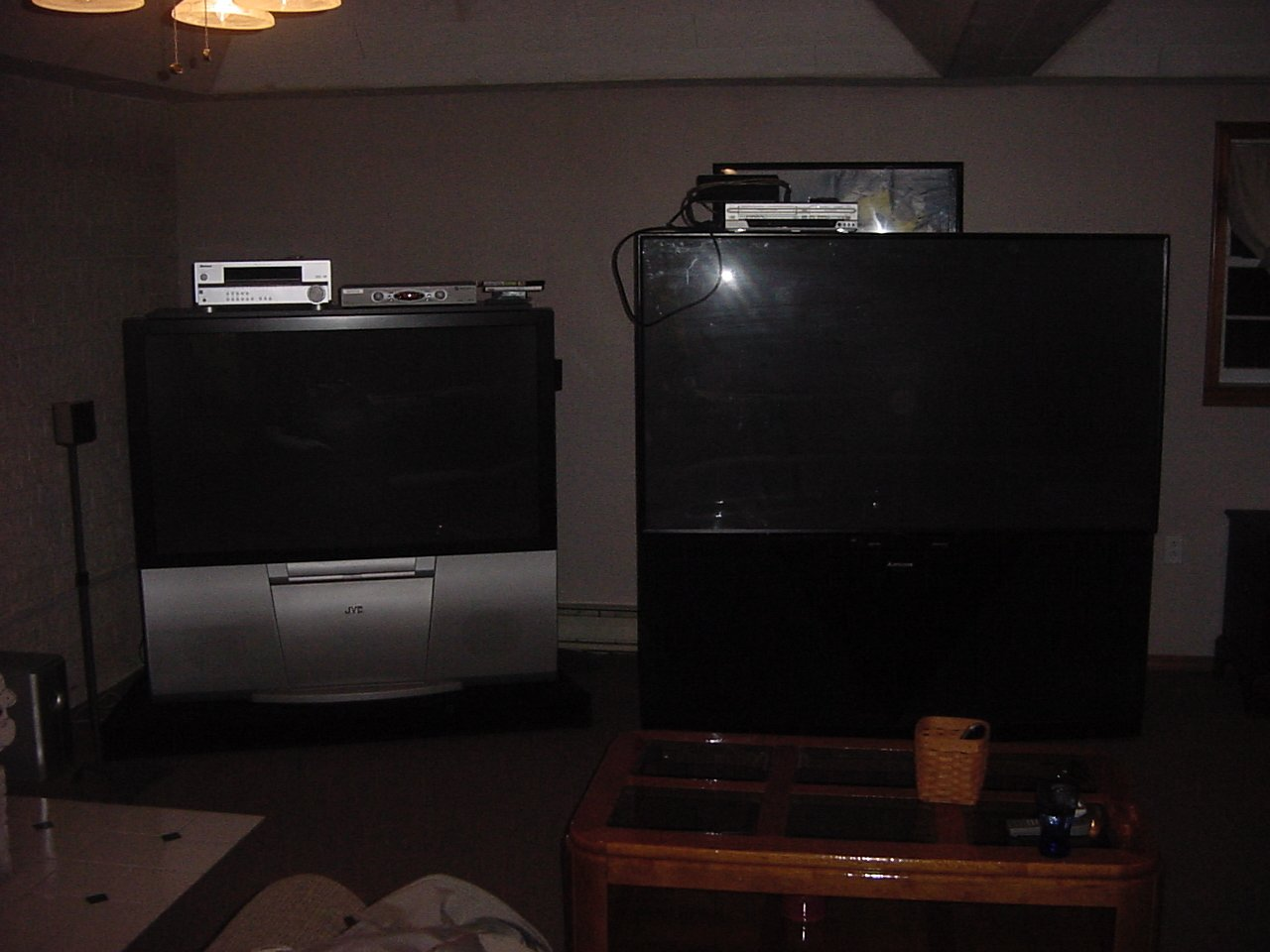 Mitsubishi 80 inch projection TV problems possible repair - AVS Forum |  Home Theater Discussions And Reviews