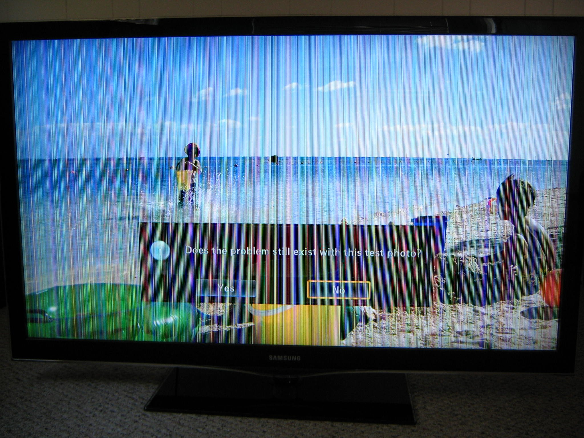 Samsung LCD TV colored vertical lines - issue resolved - loose
