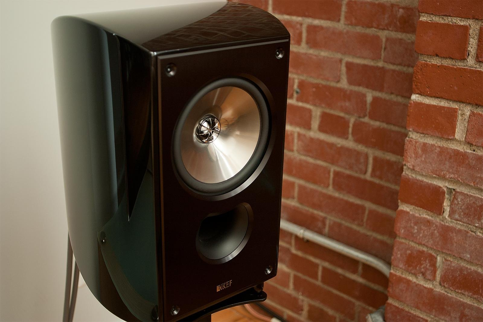 kef 3005. gallery with a few more images here: http://imgur.com/a/ltnxw kef 3005
